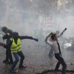 Lacrymo, LBD, grenade : comment se protéger face aux armes de la police ?